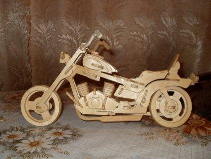 Собранная модель мотоцикла